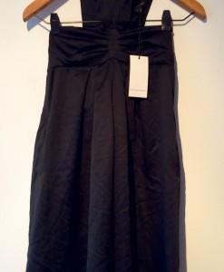 vestido negro frente