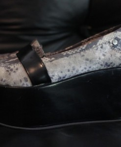 zapatomocasin-c-plataforma-mujer-marca-uma-talle-36-300301-MLA20294658709_052015-F